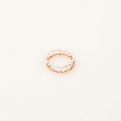Charlotte-Wooning-ring-ancient-twist-dejavu