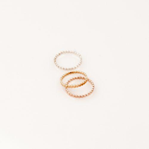 Charlotte Wooning_ring-pearl-flat_dejavu