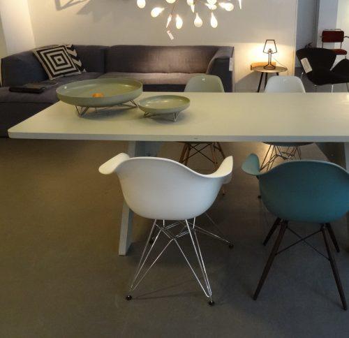 Piet-hein-eek_crisistafel-1_dejavu