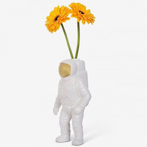 Seletti-Cosmic-Porcelain-Astronaut-1-Vaas_dejavu