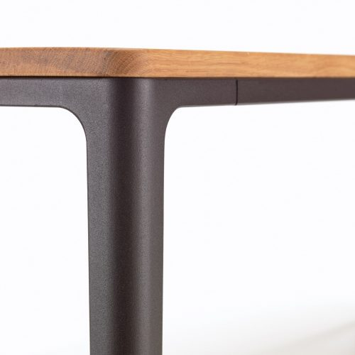 Vitra_plate-dining-table-detail_dejavu