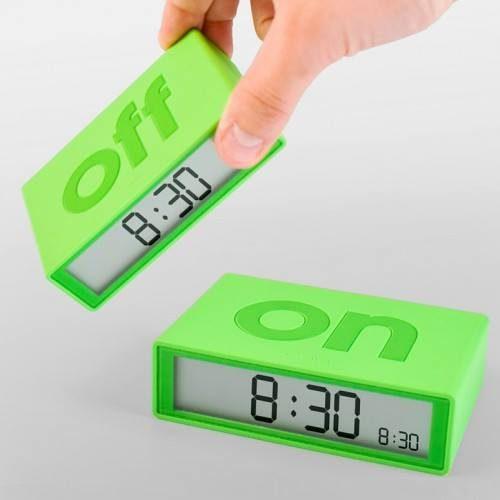 lexon_on-off-alarm-clock_dejavu