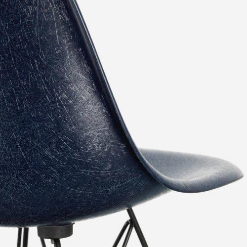 vitra_fiberglass-chair_dejavu