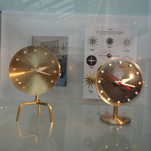 vitra_tripod-clock-2_dejavu
